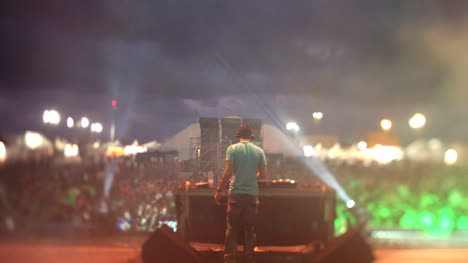 Festival-DJ-16