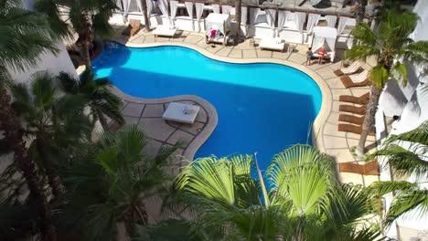 Hotel-Pool-00
