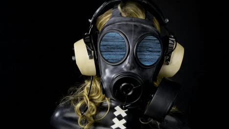 Woman-Gas-Mask-0-06