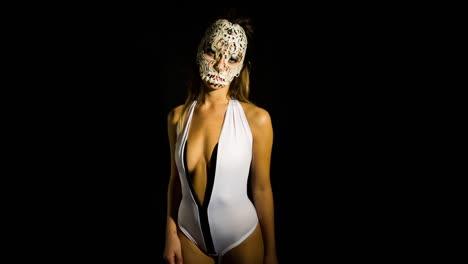 Woman-Skull-02