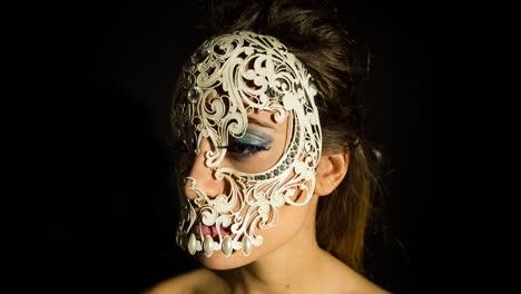 Woman-Skull-07