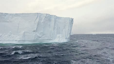 "Motion-of-a-tabular-iceberg-face-in-Iceberg-Alley""""-in-Antarctica"""""