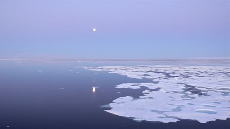 Drifting-past-sea-ice-looking-for-polar-bears-in-Hecla-and-Griper-Trough-off-Baffin-Island-Nunavut-Canada-1