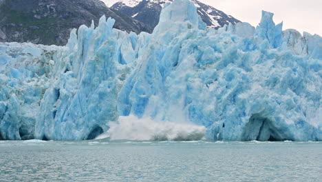 Zeitlupe-Des-Dawes-Gletschers-In-Alaska-Beim-Kalben-Deutet-Auf-Globale-Erwärmung-Hin-2