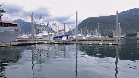 Pan-across-fishing-boats-in-Alaska-at-Petersburg-Bay