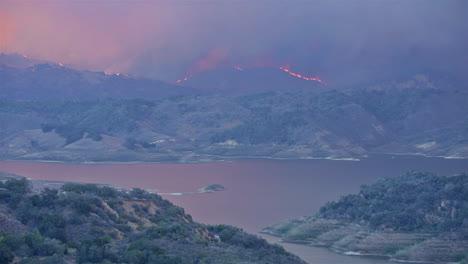 The-Thomas-wildfire-fire-burns-near-Lake-Casitas-in-Ventura-County-Southern-California