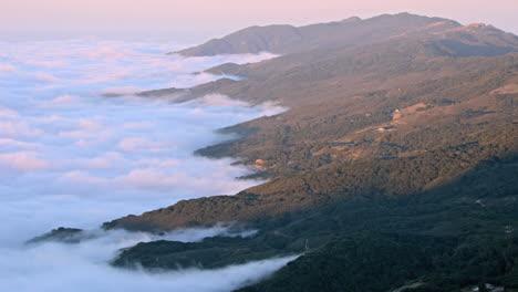 La-Niebla-De-Verano-Llega-A-La-Costa-Del-Sur-De-California-