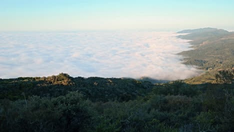 Summer-fog-rolls-into-the-coast-in-Southern-California-2