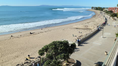 Time-lapse-of-Ventura-beach-and-sand