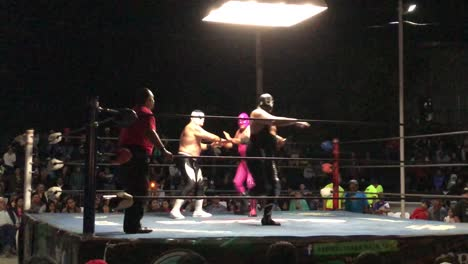 Good-footage-of-Mexican-wrestling-and-wrestlers-2