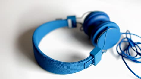 Auriculares-azules-Spin-00
