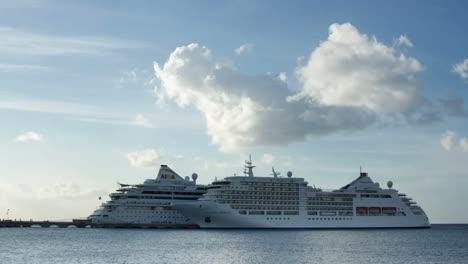 Caribbean-Cruise-Ship-0