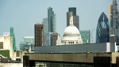 London-City-Close-Pan-01