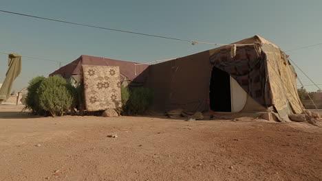 Una-Tienda-De-Campaña-Para-Refugiados-Sirios-En-El-Desierto-De-Jordania-