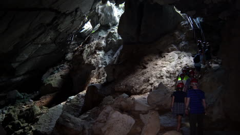 Hikers-explore-the-St-Thomas-cave-in-Cuba