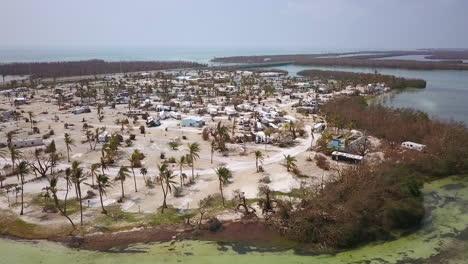 Eine-Antenne-über-Die-Zerstörung-Durch-Den-Hurrikan-Irma-In-Der-Nähe-Der-Florida-Keys-1