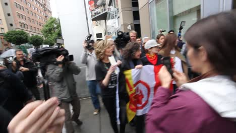 Jane-Fonda-leads-protestors-in-Hollywood-marching-against-the-Dakota-access-pipeline
