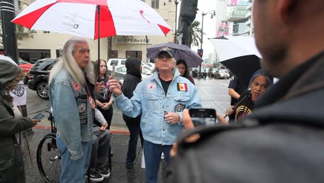 Native-Americans-in-Hollywood-marching-and-chanting-against-the-Dakota-access-pipeline