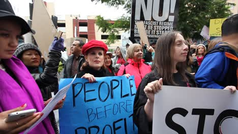 Protestors-in-Hollywood-marching-and-chanting-against-the-Dakota-access-pipeline-3
