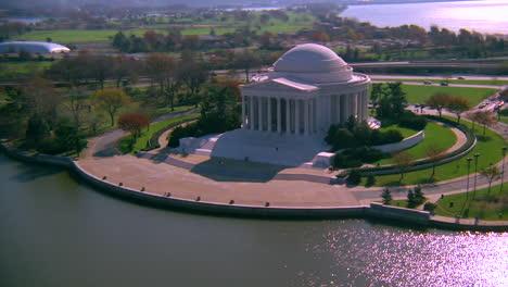 Hermosa-Antena-Sobre-El-Memorial-Jefferson-En-Washington-Dc