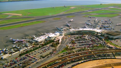 Aerial-over-Ronald-Reagan-International-airport-in-Washington-DC
