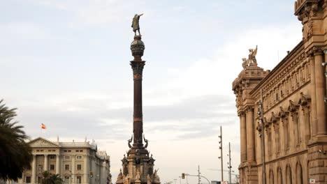 Colon-Statue-6