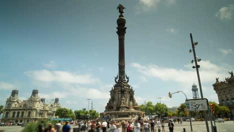 Colon-Statue-00