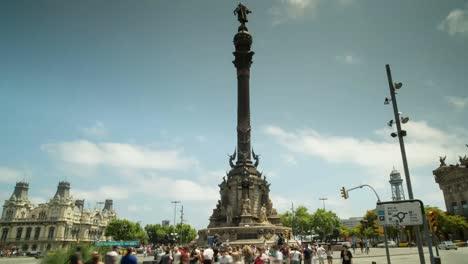 Colon-Statue-01