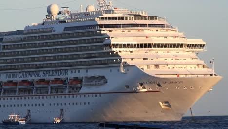 Cruise-Ship-00