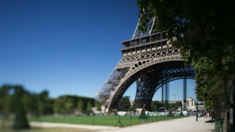 Eiffel-Tower-06