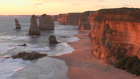Rock-Formations-Known-As-The-Twelve-Apostles-Stand-Out-On-The-Australian-Coast-1