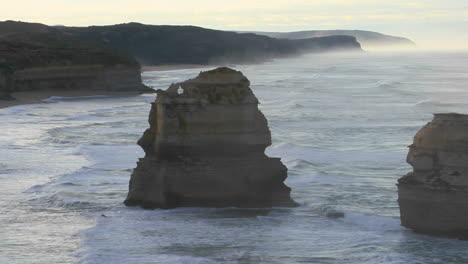 Rock-Formations-Known-As-The-Twelve-Apostles-Along-The-Australian-Coast-1