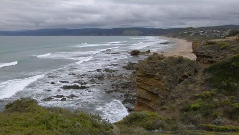 Waves-Roll-Onto-The-Rugged-Coastline-Of-South-Victoria-Australia