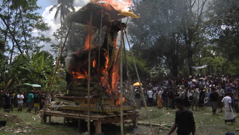 A-Large-Statue-Of-A-Brahma-Bull-Catches-Fire-And-Burns-In-A-Balinese-Cremation-Ceremony