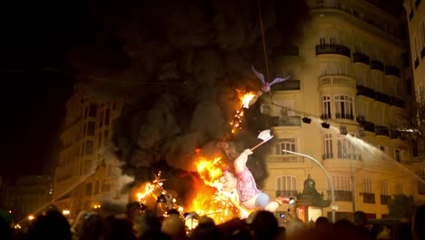 Fallas-Burning-0-02