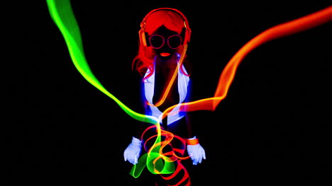 Glowing-UV-Woman-00