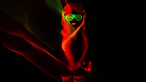 Glowing-UV-Woman-11