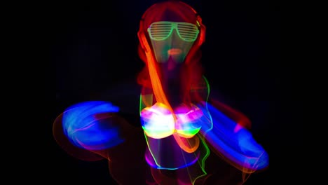 Glowing-UV-Woman-38