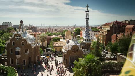 Guell-00