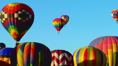 Colorful-Balloons-Rise-Above-The-Albuquerque-Balloon-Festival