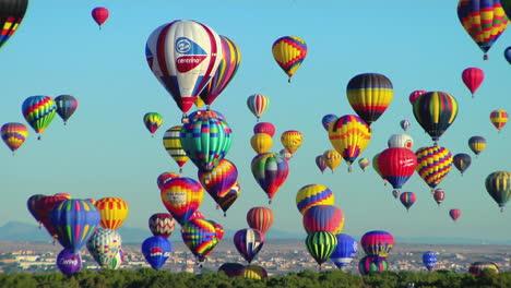 Colorful-Balloons-Rise-Above-The-Albuquerque-Balloon-Festival-1