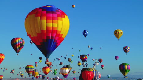 Balloons-Float-Across-The-Sky-At-The-Albuquerque-Balloon-Festival-3
