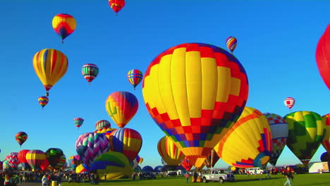Colorful-Balloons-Launch-At-The-Albuquerque-Balloon-Festival-2