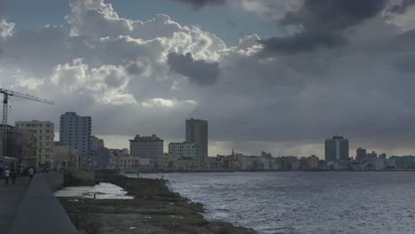 Havana-Malecon-00