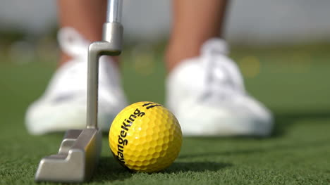 Woman-Playing-Golf-00