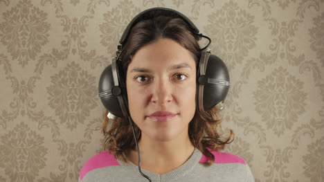Woman-in-Headphones-00