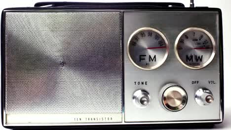Little-Radio-15