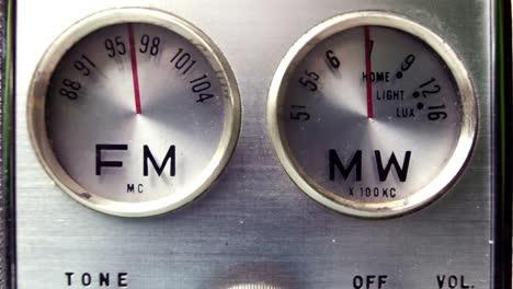 Little-Radio-16