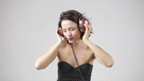 Woman-in-Headphones-Portrait-02