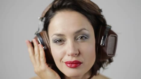 Woman-in-Headphones-Portrait-07